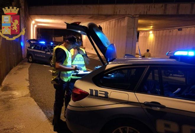 Zigzagava con l'auto perchè era ubriaco: denunciato dalla Polstrada a Siracusa