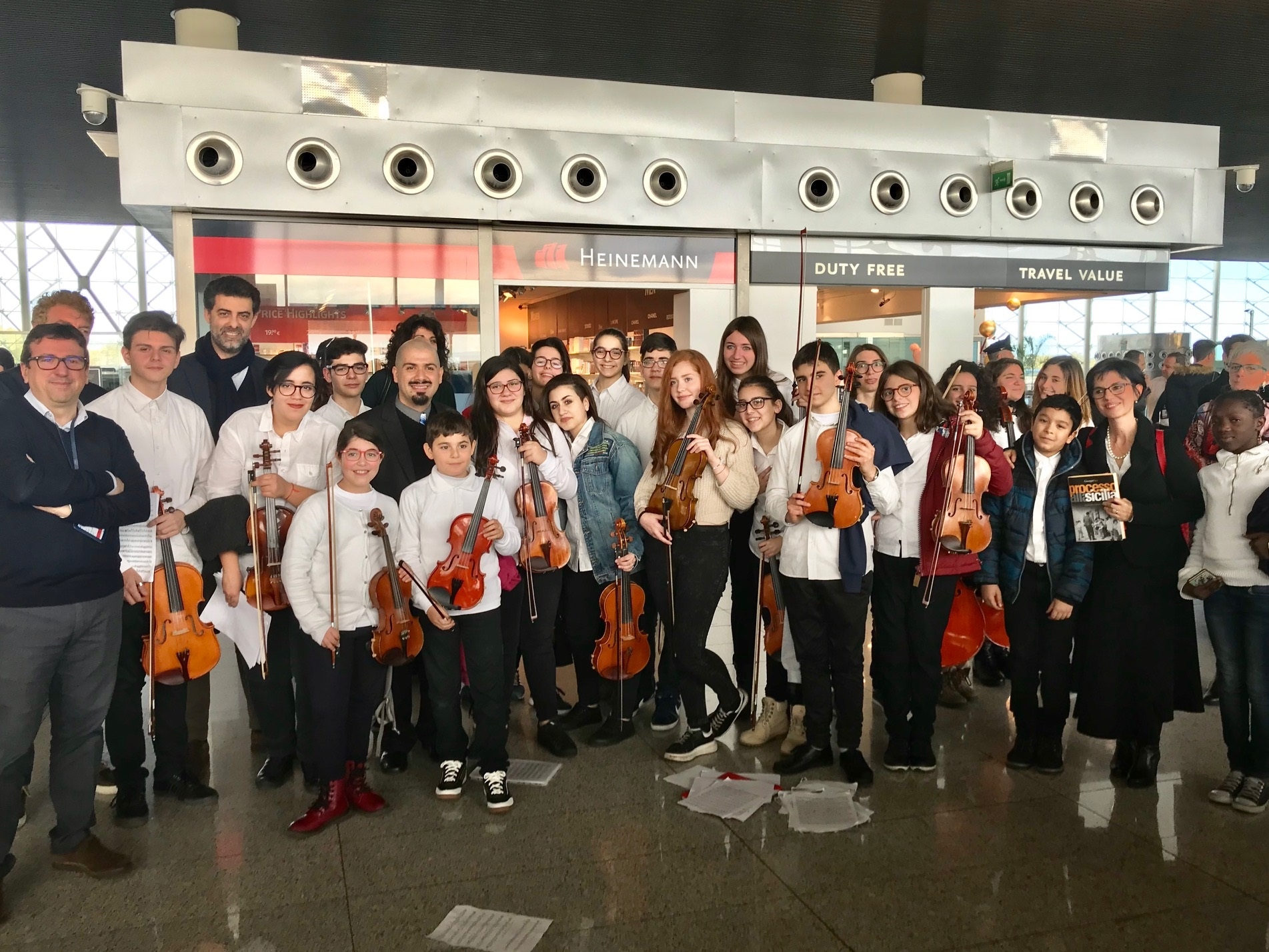 "Catania, l'Orchestra Infantile ""Falcone Borsellino"" in concerto all'aeroporto"