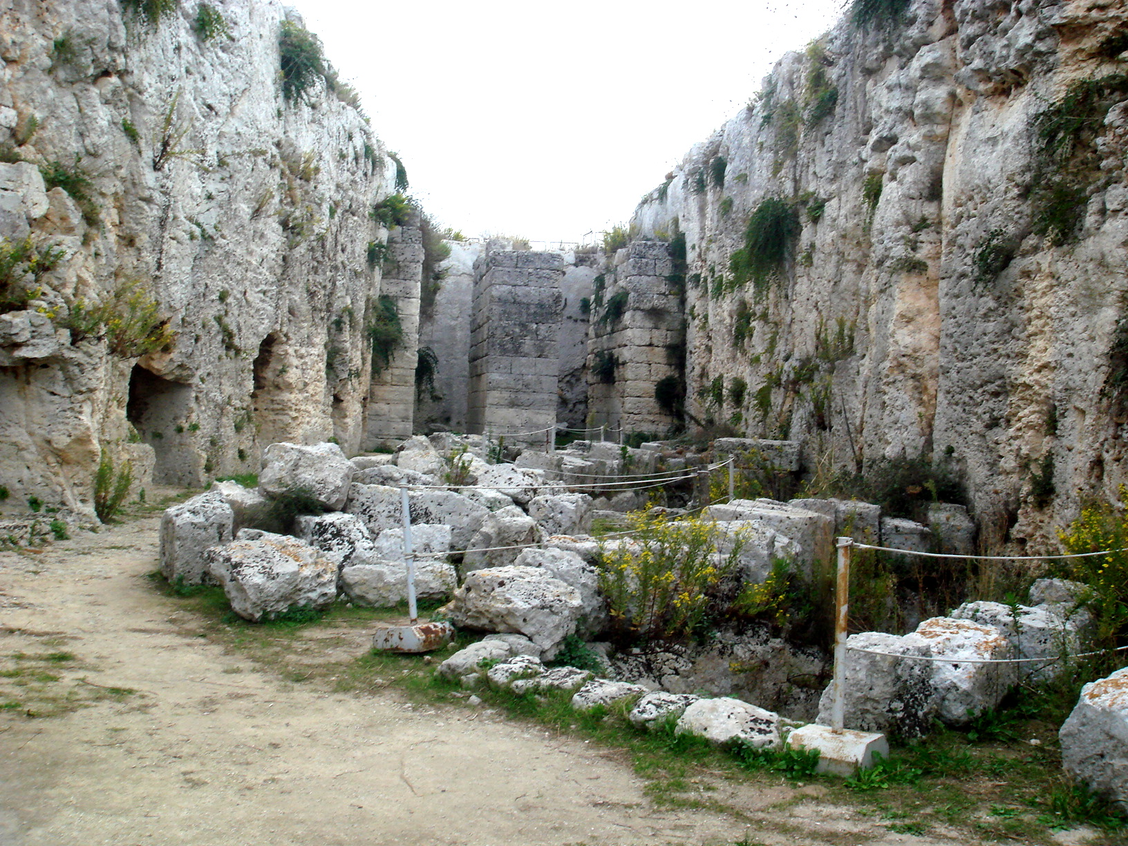 Siracusa, 150.000 euro per ripulire il Castello Eurialo