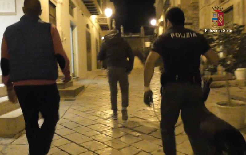 Extracomunitario ubriaco, semina paura nella notte a Modica