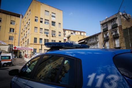 Napoli, paziente schiaffeggia un infermiere all'ospedale Loreto Mare