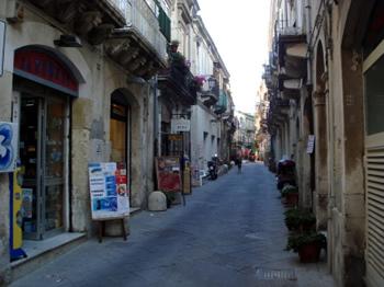 Siracusa, nuova area pedonale nel centro storico di Ortigia