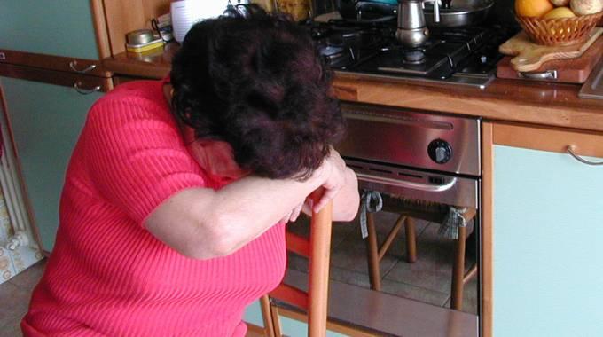Acireale, picchia i genitori per denaro: arrestato dai Carabinieri