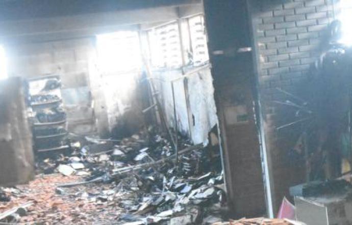 Catania incendio alla club house de I Briganti e Bianco