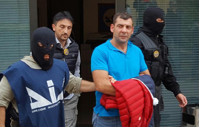Mafia, boss e nipote condannati per armi ad Agrigento