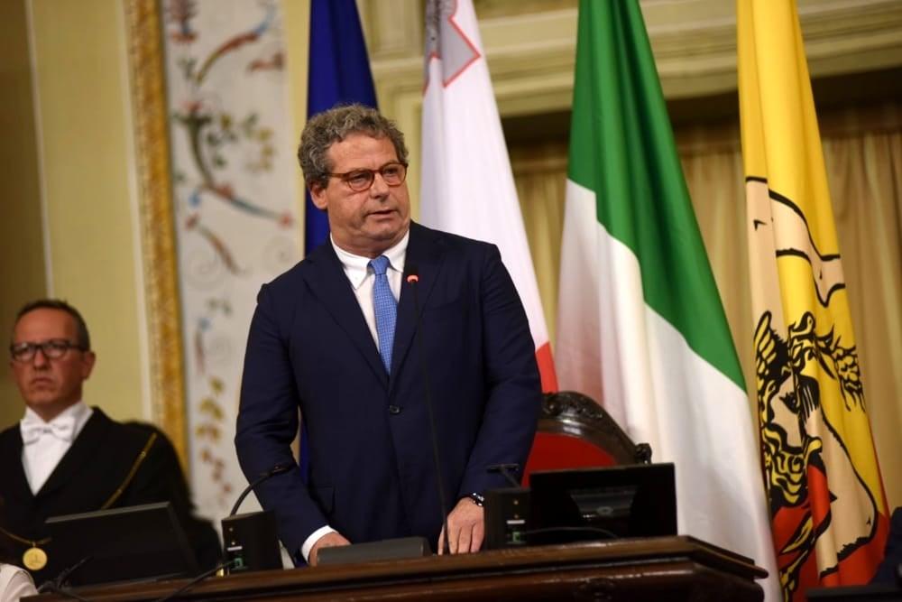 Turbolenza in Forza Italia, lettera a Berlusconi a sostegno di Miccichè