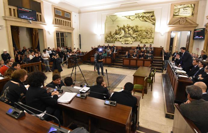 Covid-19, il Consiglio comunale di Catania: più aiuti dallo Stato
