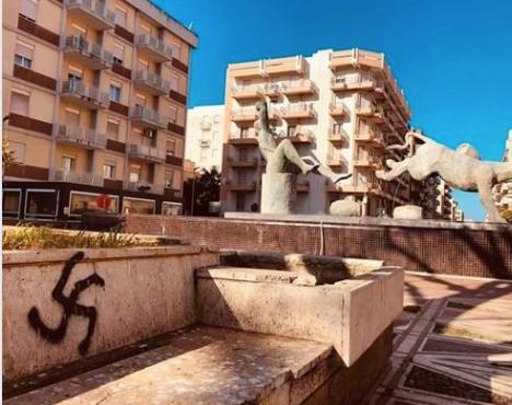 25 Aprile, su muri del Centro storico di Marsala svastiche e croci celtiche