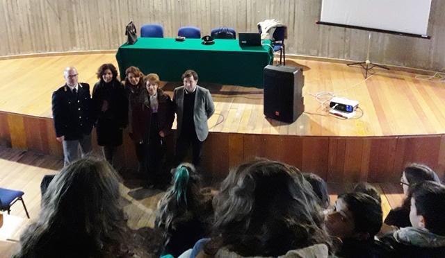 Francofonte, progetto Legalità: la polizia incontra gli studenti