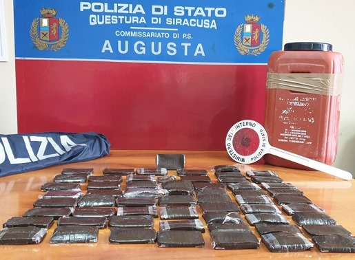 Sequestrati ad Augusta 12 chilogrammi di hashish (GUARDA IL VIDEO)