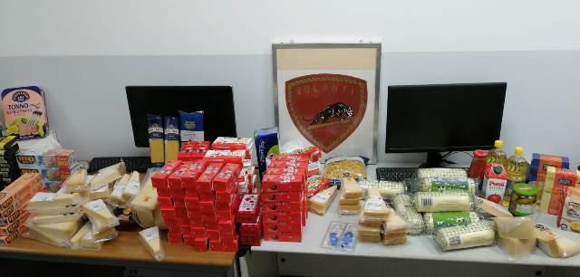 Siracusa, arrestata una coppia di stranieri per furti in supermercati