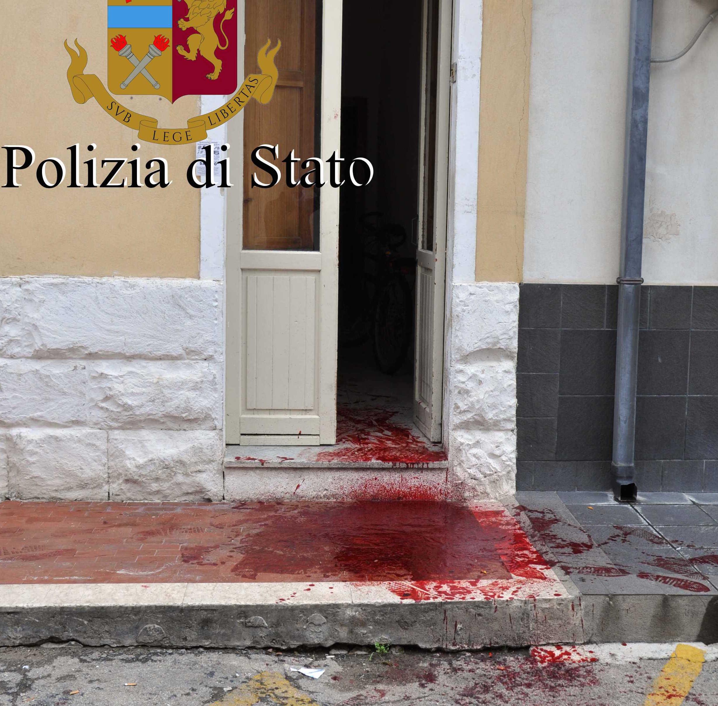 """""""Sono stato aggredito"""", ma non è vero: lago di sangue a Vittoria"""