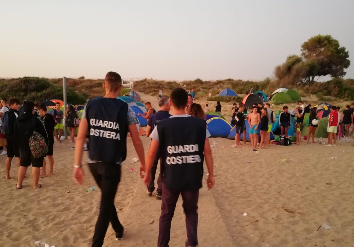 Rimossi attendamenti nelle spiagge del Siracusano dopo notte San Lorenzo