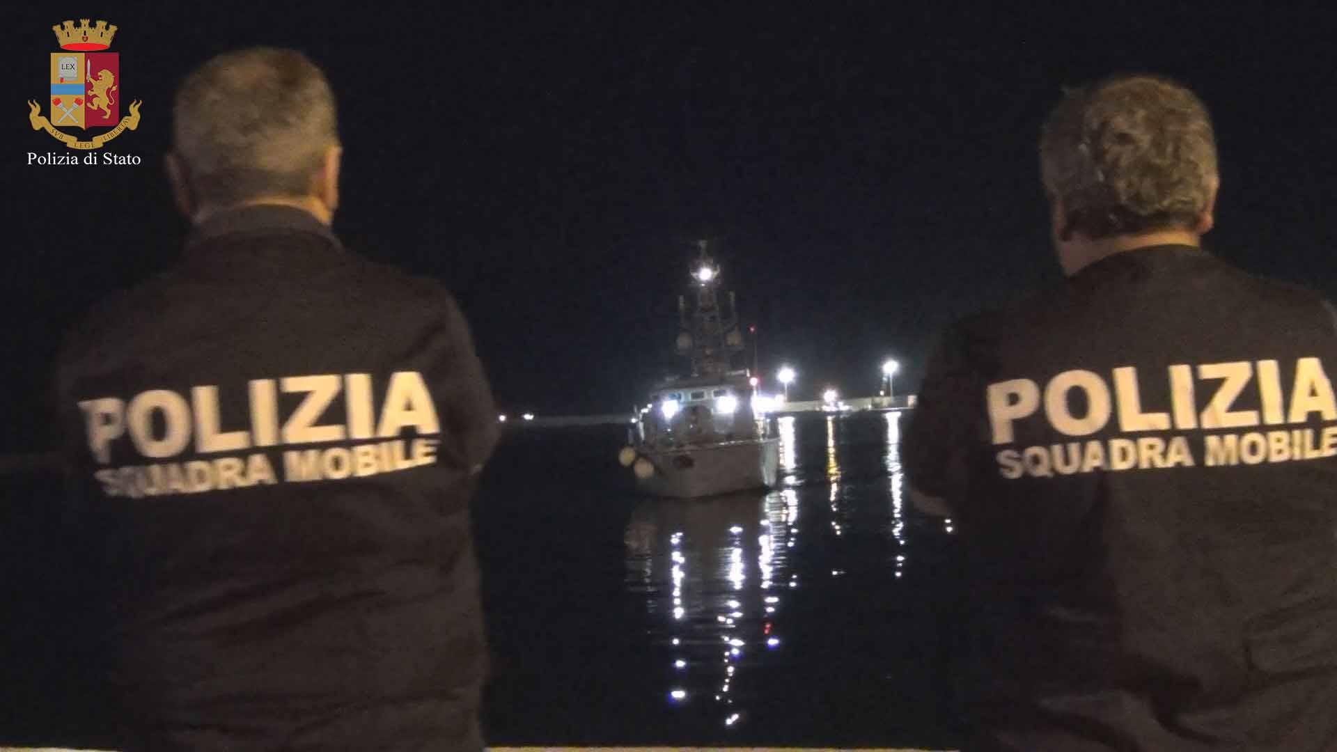 Migranti all'Hotspot di Pozzallo, fermati quattro presunti scafisti