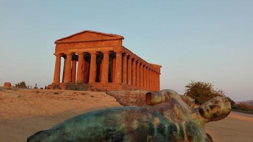 Agrigento, l'Iliade all'alba al Tempio della Concordia