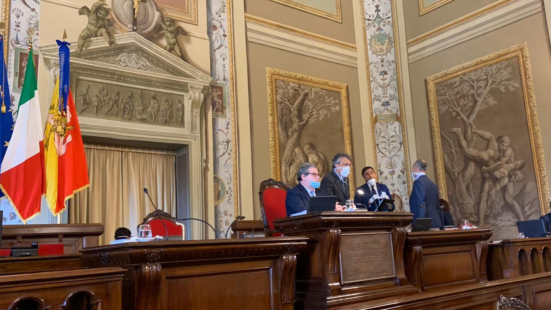 Assemblea regionale siciliana, dal 4 agosto va in vacanza