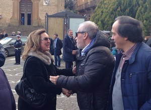Piazza Armerina in festa: scende in piazza per abbracciare Filippo Calcagno