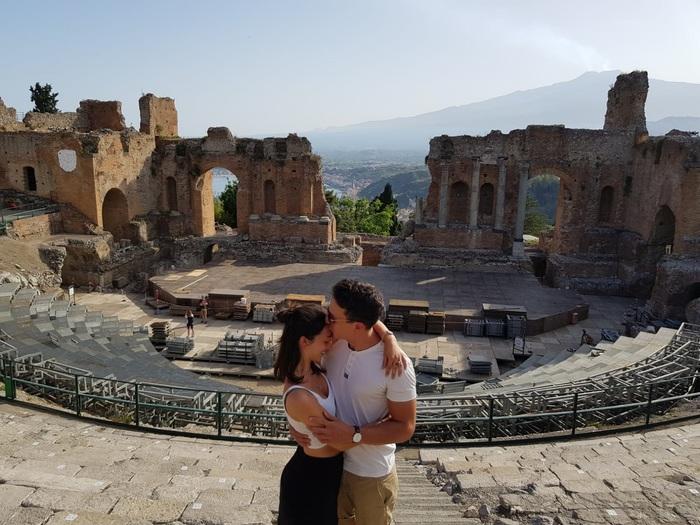 Proposta di matrimonio al Teatro di Taormina, Francesca di Cesena dice sì