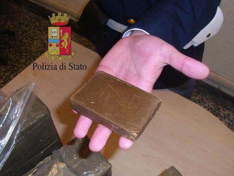Agrigento, arrestato con 900 grammi di hashish fratello di killer di mafia
