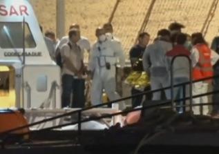 Lampedusa, sbarcati 9 migranti dalla  Open Arms per cure mediche