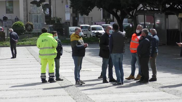 Netturbini a Favara da 4 mesi senza stipendi, ai carabinieri: aiutateci