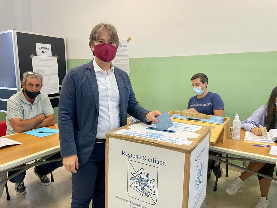 'Giuro di essere fedele alla città', Figura sindaco di Noto col 70%