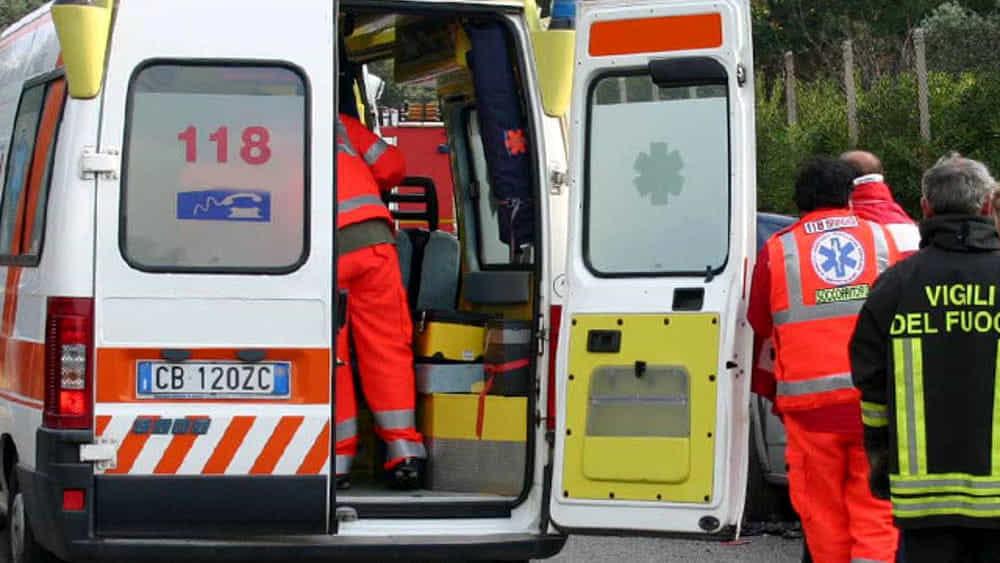 Scontro tra un'auto ed un mezzo pesante a Santa Flavia: un morto