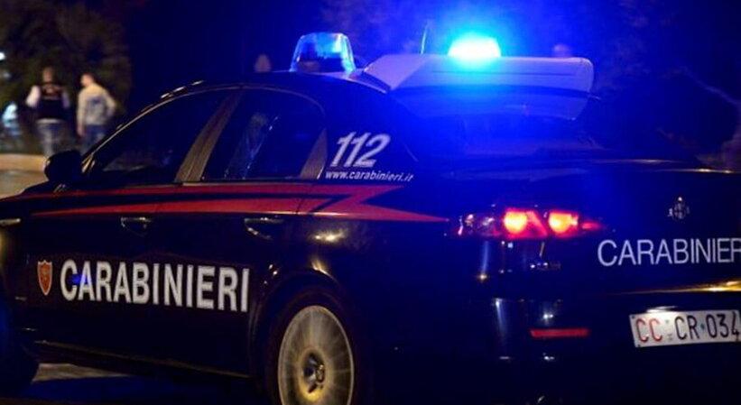 Tentano un furto alla Q8 al Firrio a Caltanissetta, poi bruciano un'auto