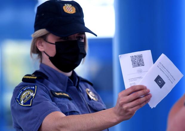 Covid, certificato digitale: via libera dall'Europarlamento