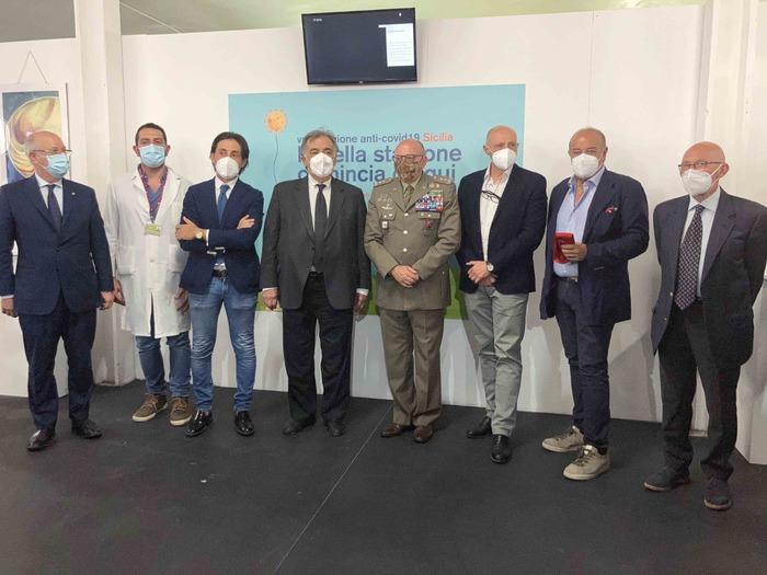 Palermo, da venerdì nuova area hub per i vaccini anti covid