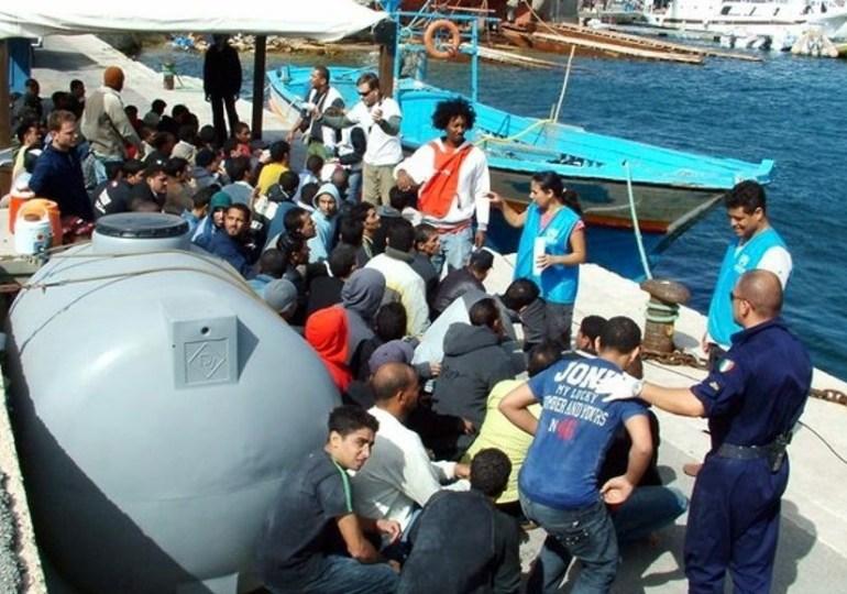 Due sbarchi di migranti a Lampedusa: in 112 all'hotspot