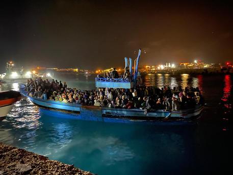 Decimo sbarco di migranti nelle ultime 24 ore a Lampedusa