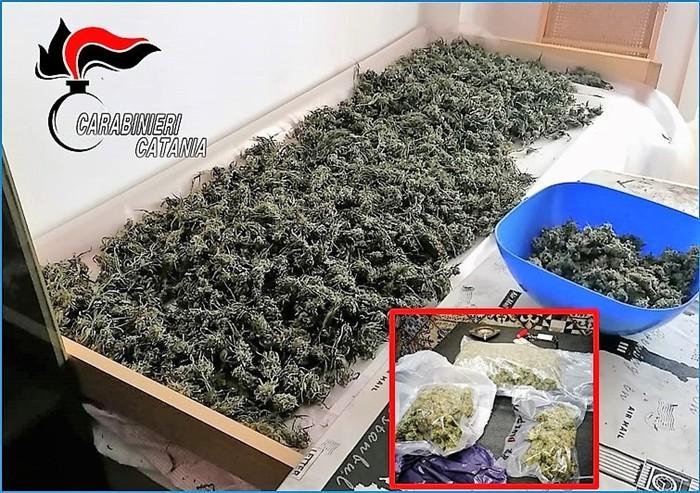 Sequestrati 9 chili di marijuana in un residence di Giardini: un arresto