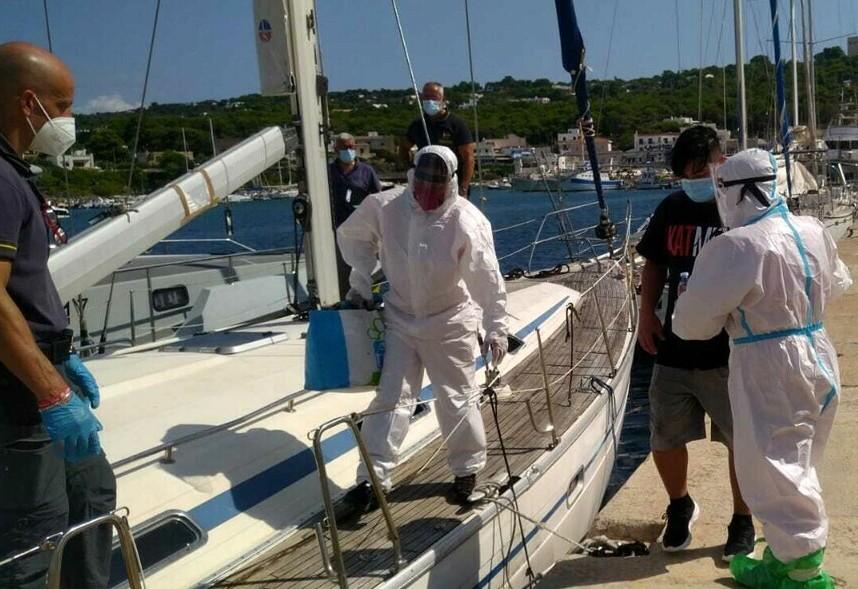 Nuovo sbarco di migranti nel Salento: rintracciati 7 giovanissimi