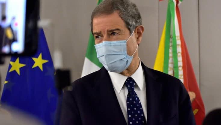 Il governatore della Sicilia in visita all'hub vaccinale di Corleone