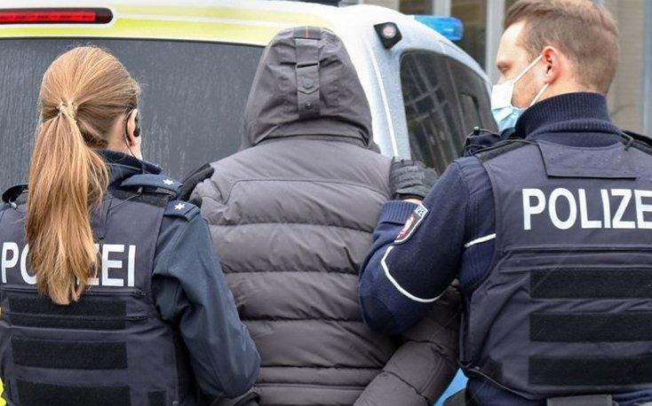 Rapinò una gioielleria in Germania con altri complici: preso ad Adrano