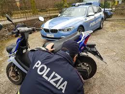 Circolava con una moto rubata: denunciato ad Avola
