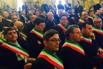 Portopalo, il sindaco non partecipa alla riunione dell'Anci: critiche dell'opposizione