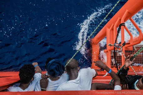 Arrivati nella notte a Lampedusa 10 barconi con 177 migranti a bordo