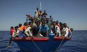 Non si arresta l'esodo di migranti a Lampedusa: 5 sbarchi con 164 persone