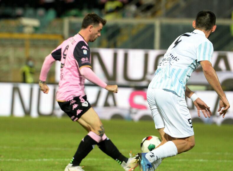 Il Palermo batte di misura il Francavilla, solo un pari per Catania e Messina