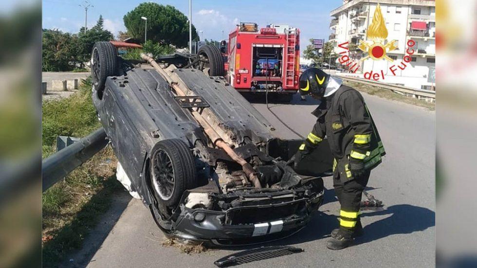 Scontro tra due auto a Torano Castello: 4 persone ferite