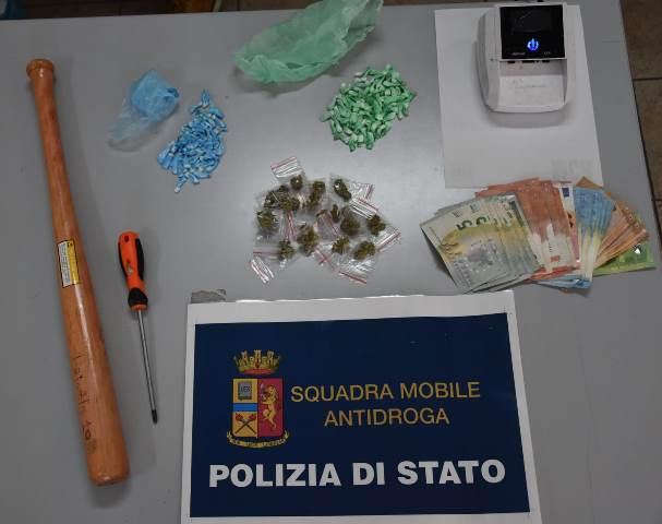 Siracusa, preso con 124 dosi di cocaina e 'fumo' in via Italia 103