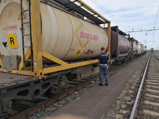 Trasporto di merci pericolosi, controllati tre convogli a Catania Bicocca