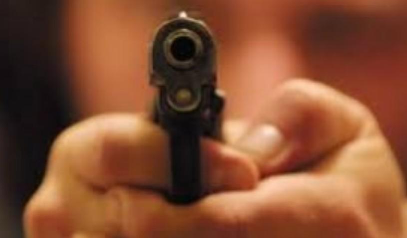 Siracusa, spara contro un altro uomo e lo ferisce di striscio: denunciato