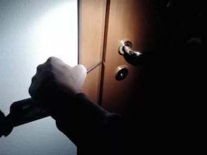 Siracusa, tentano il furto in un'abitazione: arrestati