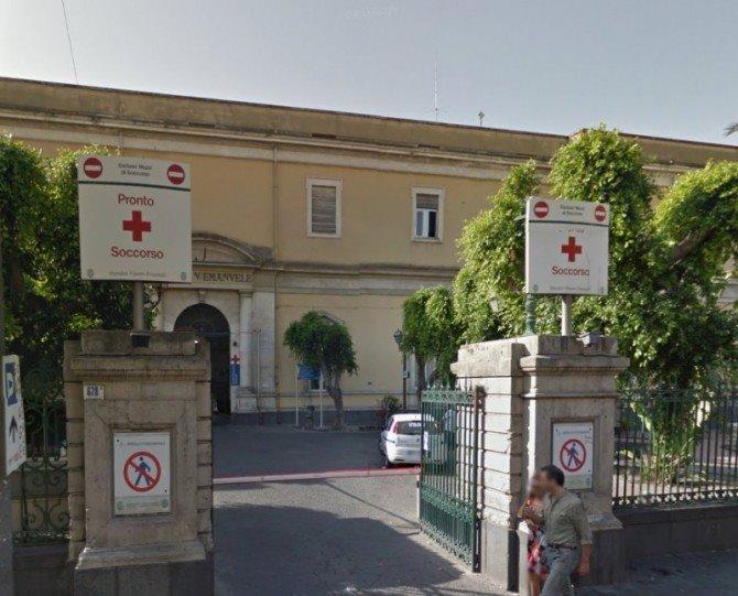 Anziano muore dopo essere stato dimesso, esposto a Catania