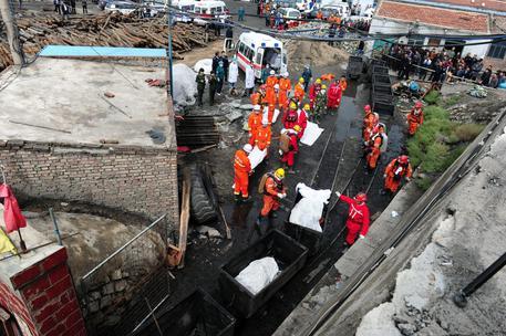 Cina, esplosione in una miniera di carbone:17 morti
