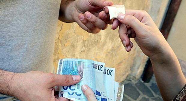 Spaccio di droga tra Catania ed Enna, scattano gli arresti