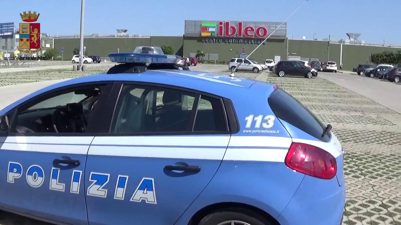 Ragusa, due colpi in 2 giorni al centro commerciale Ipercoop: denunciata